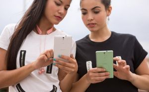 Avid selfie-taker? Meet new Xperia C5 Ultra and Xperia M5